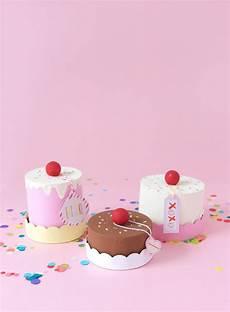 easy diy paper mache cake box damask