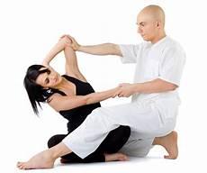 massaggio su futon cos 232 il massaggio thailandese breve introduzione delle
