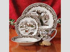 Gibson Home Christmas Toile 16 Piece Dinnerware Set