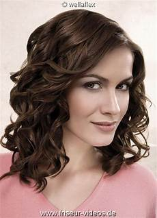 frisuren frauen locken halblang locken frisuren halblang