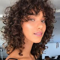 frisuren braune lockige haare 12 caramel highlights we can t get enough of all things