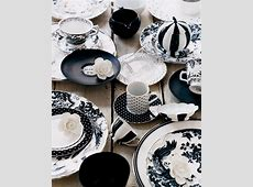 unique black and white dinnerware idea with floral and