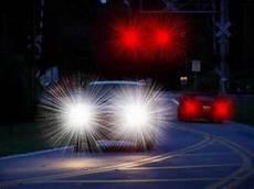 Why Do I See Halos Around Lights At Night Lasik Starbursts Warning Youtube