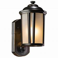 Maximus Lighting Maximus Traditional Oil Rubbed Bronze Motion Activated