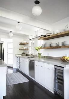 cucine con mensole come sfruttare al meglio lo spazio in cucina 3 soluzioni