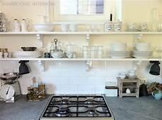 cucine con mensole forum arredamento it mensole schiave della pulizia