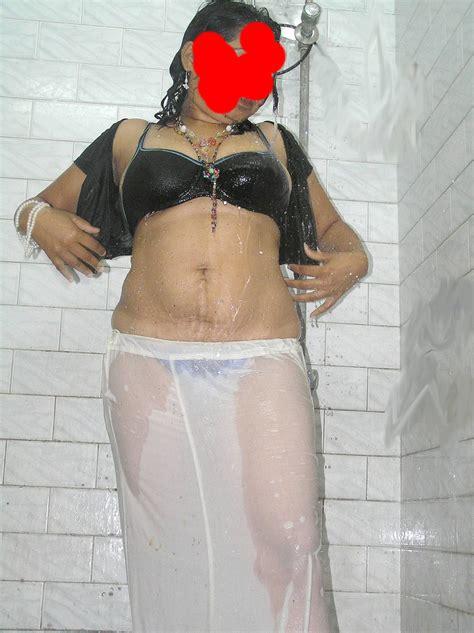 Sara Malakul Nude