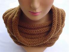 stitch of knit ribbed cowl