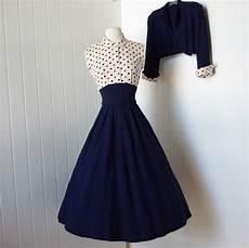 tenue vintage vintage 1940s dress fabulous wwii navy blue skirt
