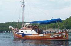 gozzo legno cabinato gozzo ligure cabinato in vendita