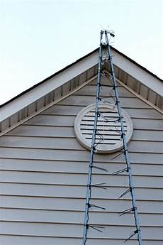 Ways To Hang Christmas Lights Hanging Christmas Lights The Easy Way From Calculu To