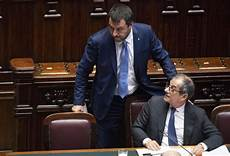 ministri dell interno italiani tria a londra quot la politica parla ma noi saremo cauti