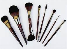 make up for artisan brush kit on