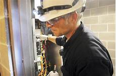 Elevator Repair Jobs Want Better Pay Than The Bosses Get A Job In Elevator