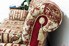 tappezzeria a righe luxury classic sofa in damask fabric and buttoned details