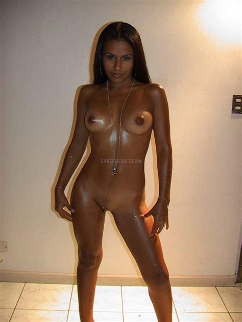 Strip Nude Gallery Free