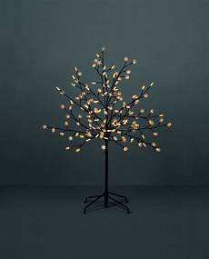 Tree Lights On Sale Led Outdoor Tree Lights Will Give A Remarkable Look To