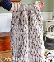 knit arm arm knit a blanket in 45 minutes handy diy