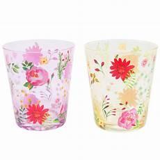 bicchieri verdi 12 bicchieri verdi rosa in vetro floralie maisons du monde