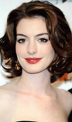 short to medium hairstyles for wavy hair 15 medium short wavy hairstyles short hairstyles