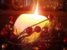 immagini candele natalizie l albero delle mele il solstizio d inverno e la festa di yule