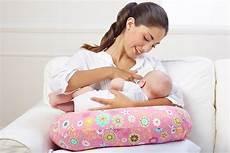 cuscino per dormire miglior cuscino allattamento vita donna