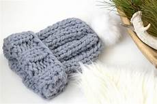 knit free chunky knit hat pattern in a stitch