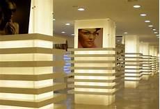 interni negozi poliart arredamento interno per negozi in plexiglass