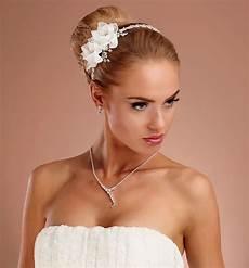 haarschmuck mit stoffblumen strass samyra haarreif mit stoffblumen samyra fashion