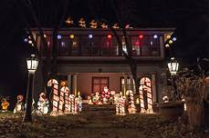 Christmas Light Displays In Des Moines Iowa These 10 Houses In Iowa Have The Best Christmas Lights Ever