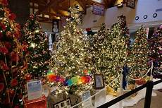 Holiday Light Show Bucks County Pa A Guide To Tree Lighting Celebrations In Philadelphia For