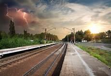 smaltimento traversine ferroviarie traversine ferroviarie dismesse rifiuti pericolosi da