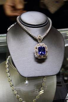 luxury jewelry and fashion shopping at international gem