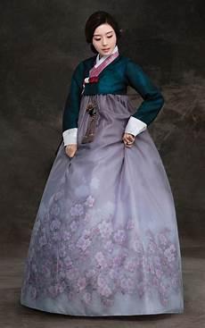 how interesting hanbok traditional korean clothing