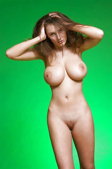 Nude Harter Schwanz