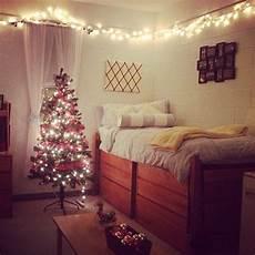 Christmas Lights Dorm Room Decorate Your Dorm Room For Christmas Homesweetdorm