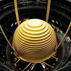 Tuned Mass Dampers The 728 Ton Tuned Mass Damper Of Taipei 101 Amusing Planet