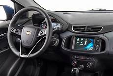 chevrolet onix 2019 interior onix hatch 2019 0km carro popular chevrolet brasil