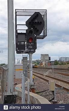 Train Light Signals Uk An Led 3 Aspect Signal With Id Number And Theatre Box With