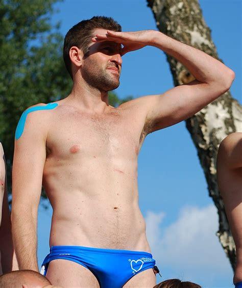 Nude Schwimmen Fotos