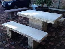 tavoli da giardino in pietra lavica tavoli da giardino perch 233 privilegiare la pietra naturale