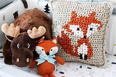 basic crochet pillow sewrella