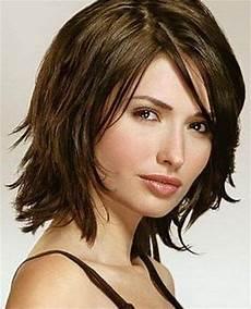 frisuren 2019 frauen mittellang stufig frisuren mittellang stufig fransig hair styles in 2019