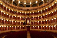 di rom most renowned theaters and opera houses in rome