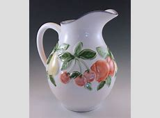 PORTUGESE POTTERY MAJOLICA FRUITS PITCHER MADE IN PORTUGAL