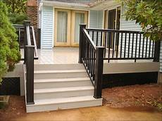 Light Or Dark Deck Stain I Really Like This Deck Look With The Dark On Light