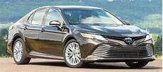 2020 toyota camry se hybrid 2020 toyota camry sedan le se and xle hybrid review