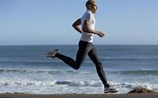 hommes faisant du sport chroniques ordinaires de la vie quotidienne du coureur 224