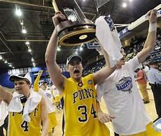 Local Point Uw College Men S Basketball Uw Stevens Point Wins Division