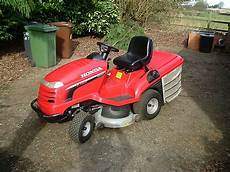 Honda Hf2417 Lawn Tractor Ride On Mower Vtwin